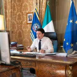 roberto esposito giuseppe conte premier presidente coronavirus covid covid19 follower strategia politica comunicazione social media marketing istituzionale 4